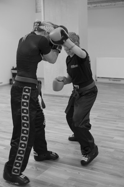 Kickboxen-Selbstverteidigung für Frauen